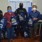 Prefeito Carlinhos Barros entrega novos fardamentos aos guarda municipais de Vargem Grande